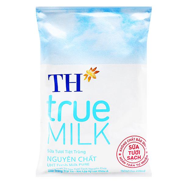 Sữa Tươi Tiệt Trùng TH True Milk Nguyên Chất Bịch 220Ml
