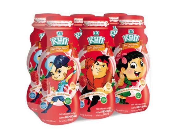 Lốc 6 Sữa Chua Uống Tiệt Trùng Kun Kem Dâu Chai Nhựa 90Ml