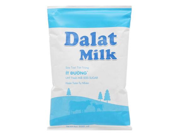 Sữa Tươi Tiệt Trùng Dalat Milk Ít Đường Bịch 220Ml