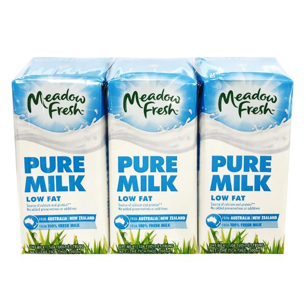 Lốc 3 Sữa Tươi Tiệt Trùng Meadow Fresh Ít Béo 200Ml